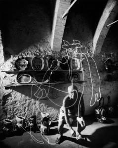 Picasso pintando con luz 2